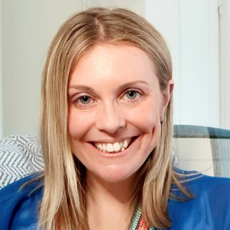 BWi Taryn Roberts Newbury host photo